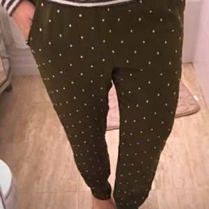 Super cute jogger style pull on pants!